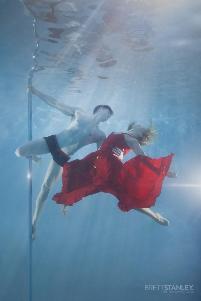 Underwater Pole Dance - Anastasia Skukhtorova